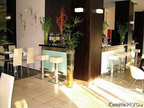 Reštaurácia Estremo