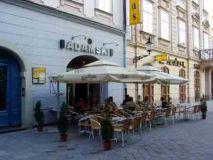 Adamski café