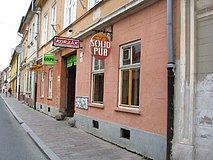 Solid pub